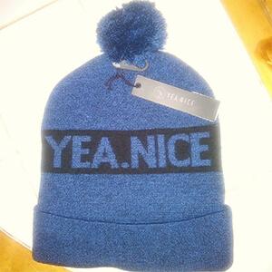 Navy blue Yea.Nice beanie with pom pom